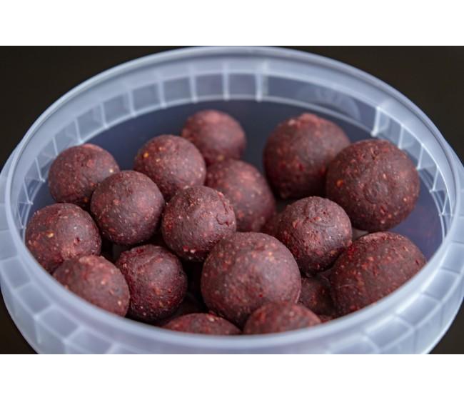 Топчета за стръв T-BAITS Squid and Strawberry, микс 14/20 mm   www.CARPMOJO.com